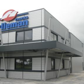 Nieuwbouw bedrijfspand Hulleman te Marknesse