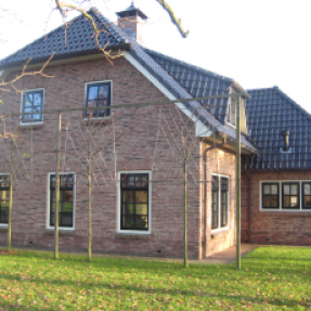 Nieuwbouw woning+schuur Fam. v. Dalen te Sint Jansklooster