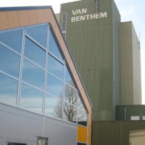 Nieuwbouw bedrijfspand van Benthem beheer te Vollenhove